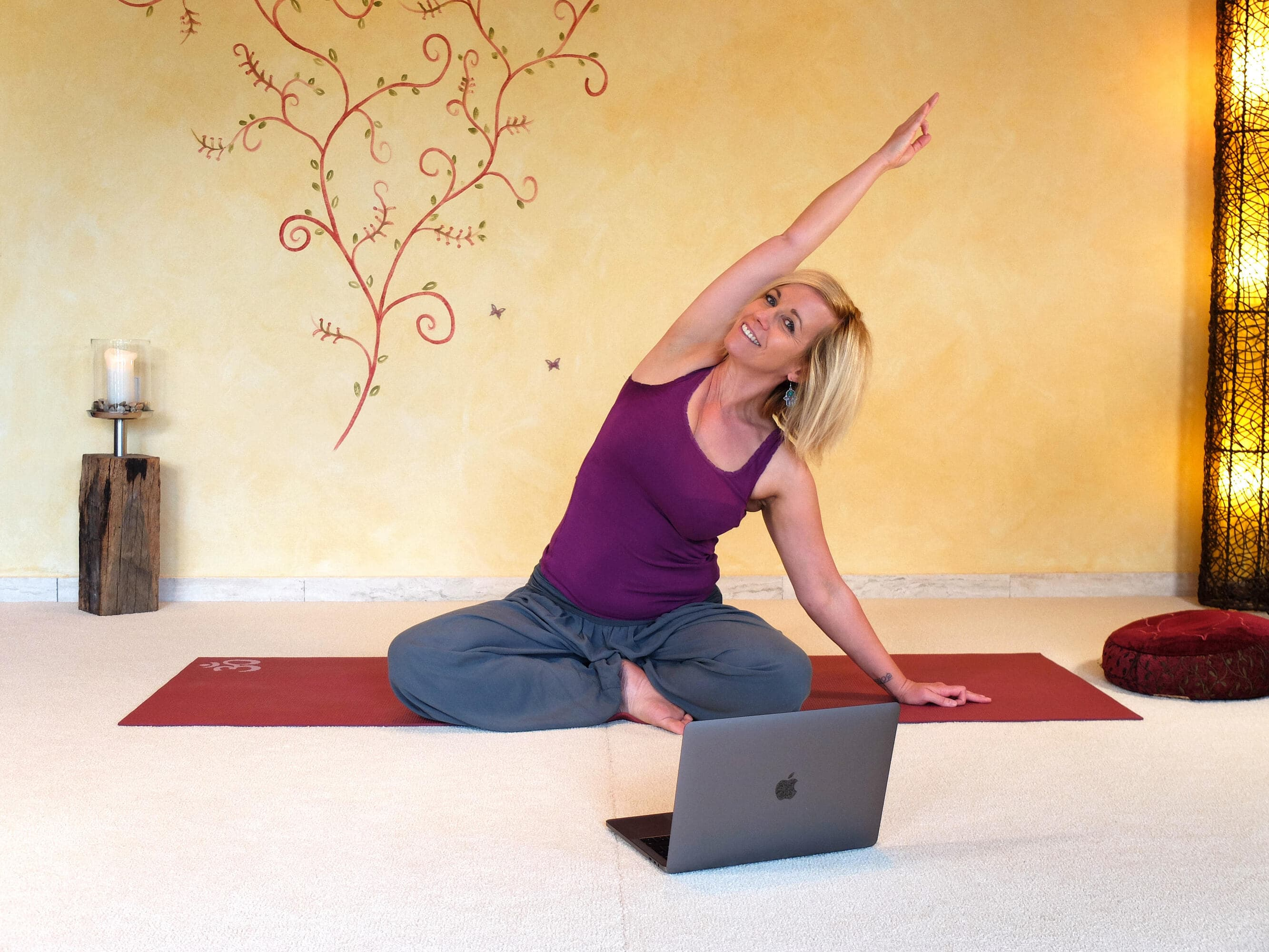 Krankenkassenzertifizierter Hatha Yoga Balance Online Kurs